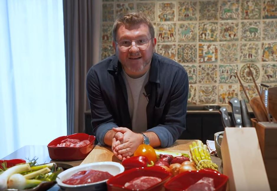 Готуємо з Дмитром Борисовим: кращий маринад для свинини, індички і яловичини (ВІДЕО)