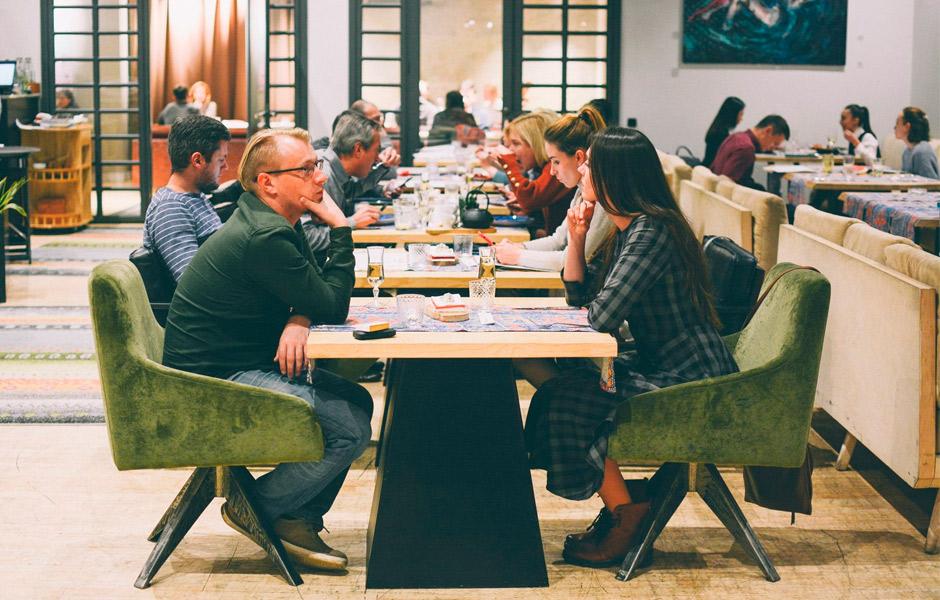 9 помилок сервісу в ресторанах: що дратує гостей найбільше (ВІДЕО)
